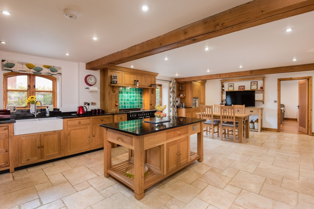 Oak Barn Kitchen