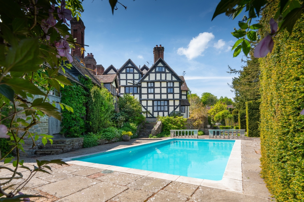Old Bell House -swimming1