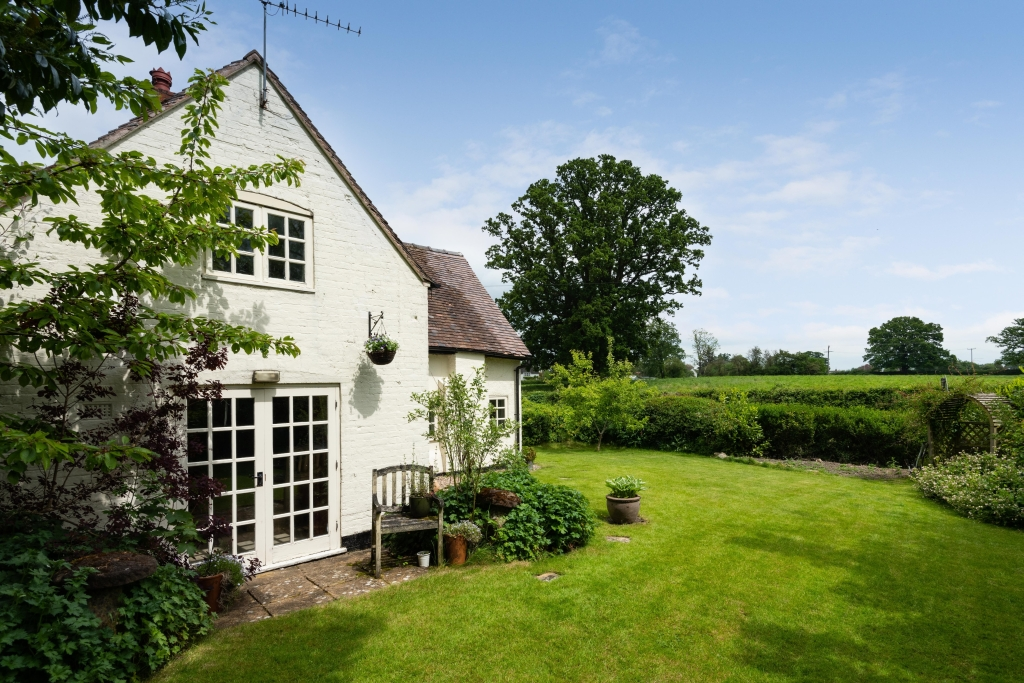 Shrubbery Farm External