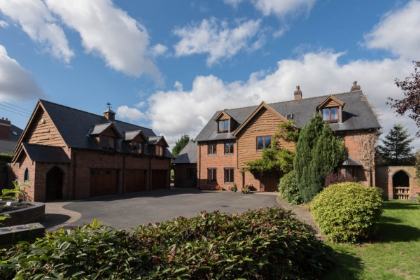 Extensive Detached House For Sale In Shropshire