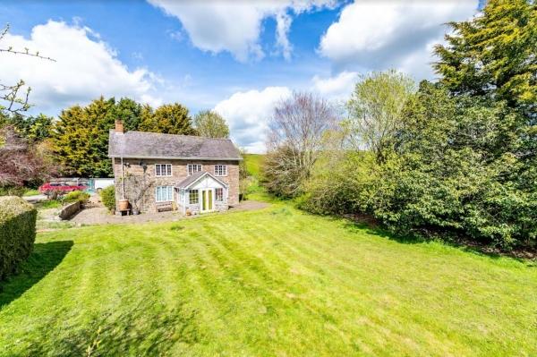 Idyllic Cottage Farm, with plot potential