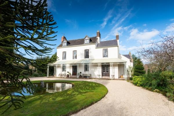 Six Bedroom Georgian Villa For Sale In Shrewsbury