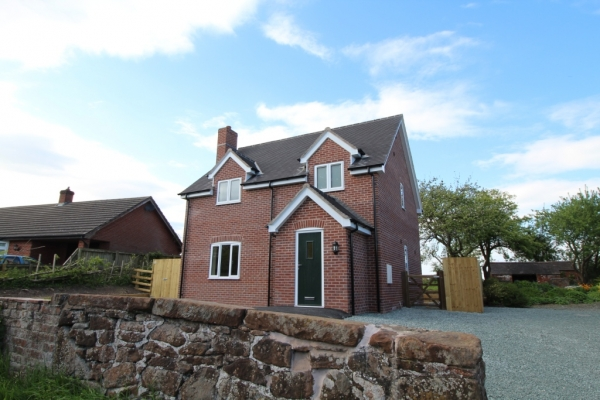 New energy efficient three bed home to let, with views over open farmland to rear