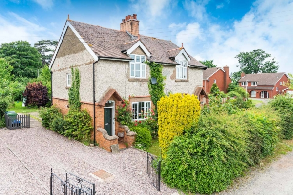Three bed home in village south of Shrewsbury