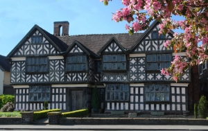 Curtain up on sale of Elizabethan mansion
