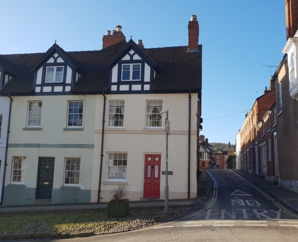 Heritage and charisma – two bed in heart of Ludlow