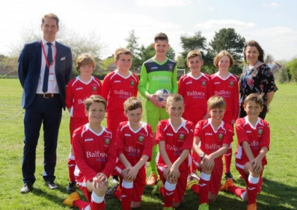 New shirts spur St George's School