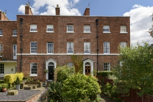 Early Bird Puts Period Home Under Offer