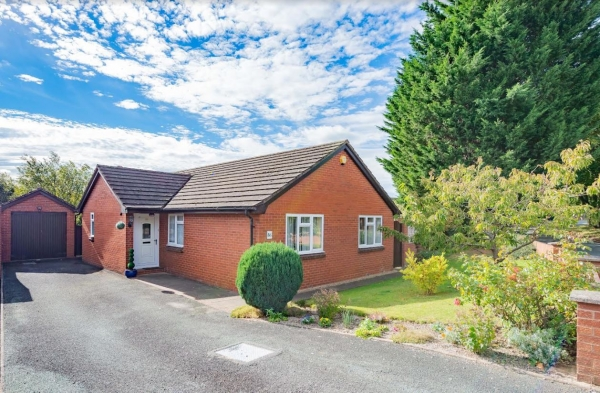 Bungalow in sought after Copthorne area