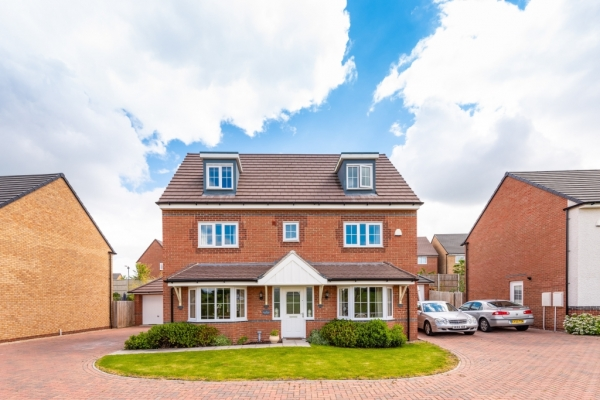 Fresh Three Year Old, Five Bed House For Sale In Shrewsbury