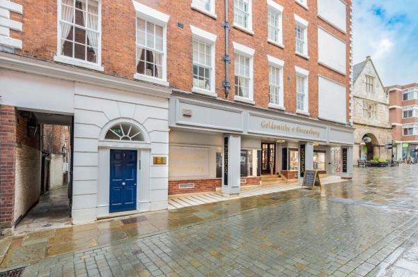 Shrewsbury Square, period apartment