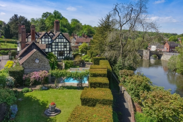 Historic Provenance On The South Bank Of The River Teme