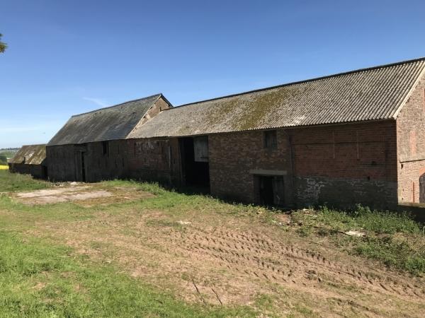 Idyllic Barn Conversion With Six Plot Planning