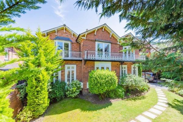 Shrewsbury - immaculate Victorian Villa